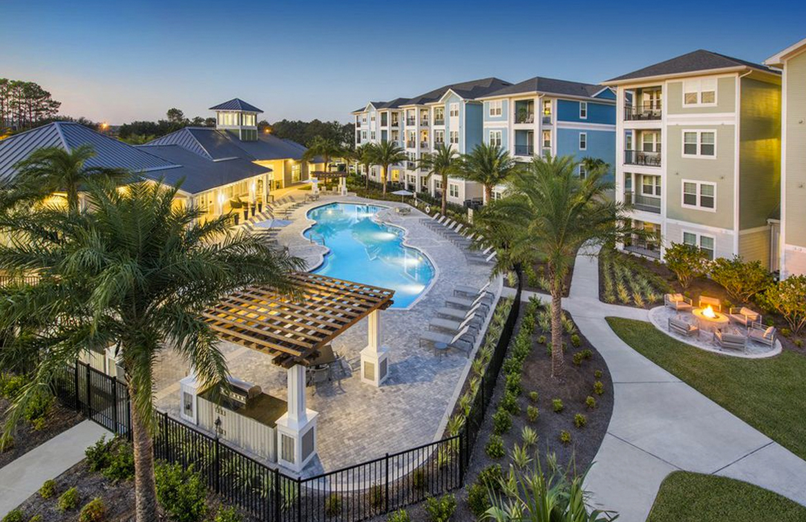 leland lifestyles pool
